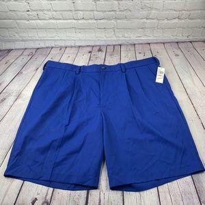NWT Izod Pleated Shorts 100% Polyester Size 42